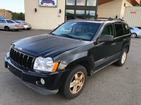 2005 Jeep Grand Cherokee for sale at MAGIC AUTO SALES in Little Ferry NJ
