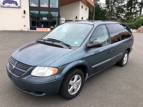 2007 Dodge Grand Caravan for sale at MAGIC AUTO SALES in Little Ferry NJ