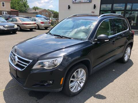 2009 Volkswagen Tiguan for sale at MAGIC AUTO SALES in Little Ferry NJ
