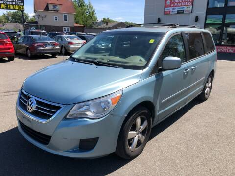 2009 Volkswagen Routan for sale at MAGIC AUTO SALES in Little Ferry NJ