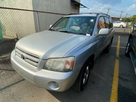 2005 Toyota Highlander for sale at MAGIC AUTO SALES - Magic Auto Prestige in South Hackensack NJ
