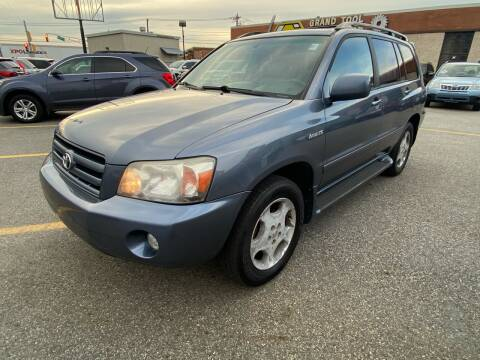 2004 Toyota Highlander for sale at MAGIC AUTO SALES - Magic Auto Prestige in South Hackensack NJ