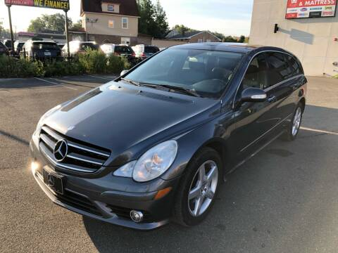 2010 Mercedes-Benz R-Class for sale at MAGIC AUTO SALES in Little Ferry NJ