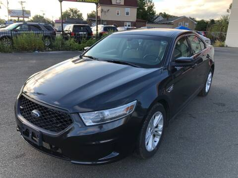 2013 Ford Taurus for sale at MAGIC AUTO SALES in Little Ferry NJ