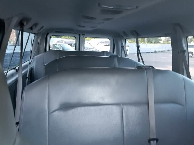2012 Ford E-Series Wagon E-350 SD XL 3dr Passenger Van - Lakewood NJ