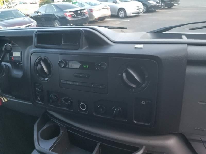 2012 Ford E-Series Wagon E-350 SD XL 3dr Passenger Van - Lakewood NJ