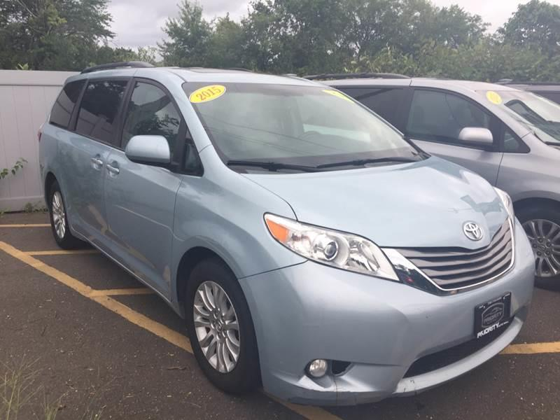 2015 Toyota Sienna XLE Premium 8 Passenger 4dr Mini Van   Lakewood NJ