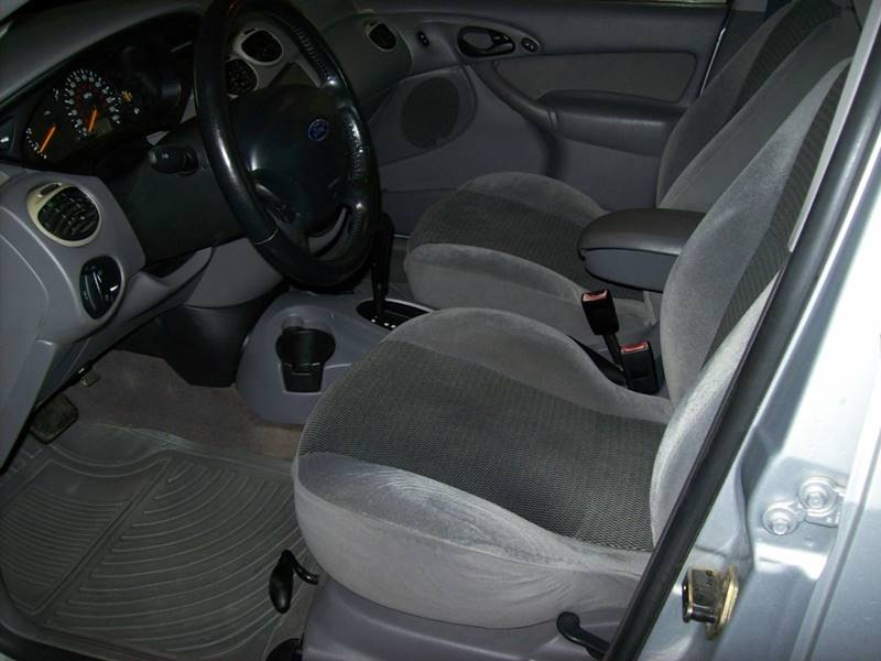 2002 Ford Focus ZX5 4dr Hatchback - Plainwell MI