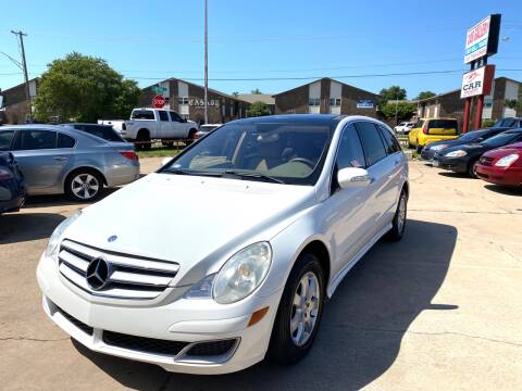 2006 Mercedes-Benz R-Class for sale at Car Gallery in Oklahoma City OK