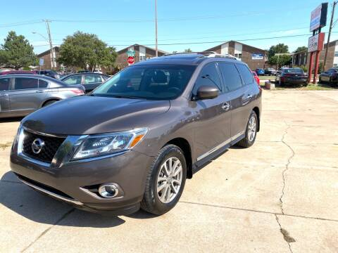 2016 Nissan Pathfinder for sale at Car Gallery in Oklahoma City OK