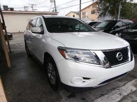 2013 Nissan Pathfinder for sale in Hialeah, FL