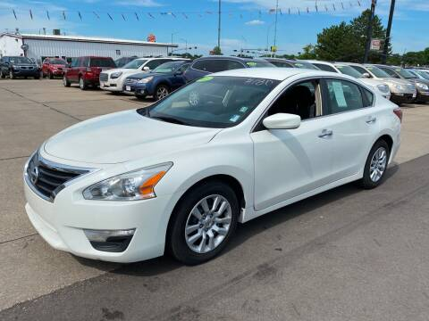 2013 Nissan Altima for sale at De Anda Auto Sales in South Sioux City NE
