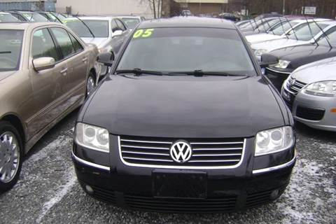 2005 Volkswagen Passat for sale at Balic Autos Inc in Lanham MD