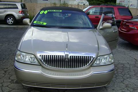 2004 Lincoln Town Car for sale in Lanham, MD