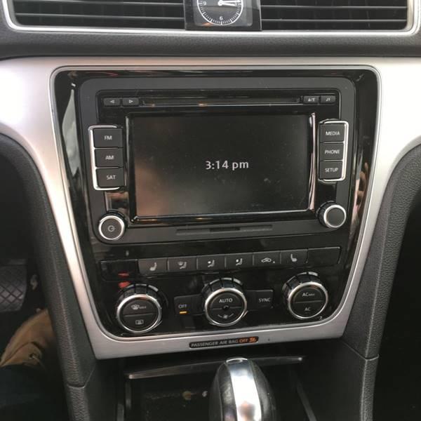 2012 Volkswagen Passat SE PZEV 4dr Sedan 6A - Lakewood NJ