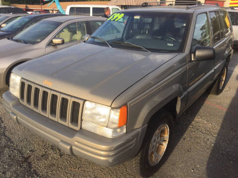 1998 Jeep Grand Cherokee Limited for sale at Marino's Auto Sales in Laurel DE