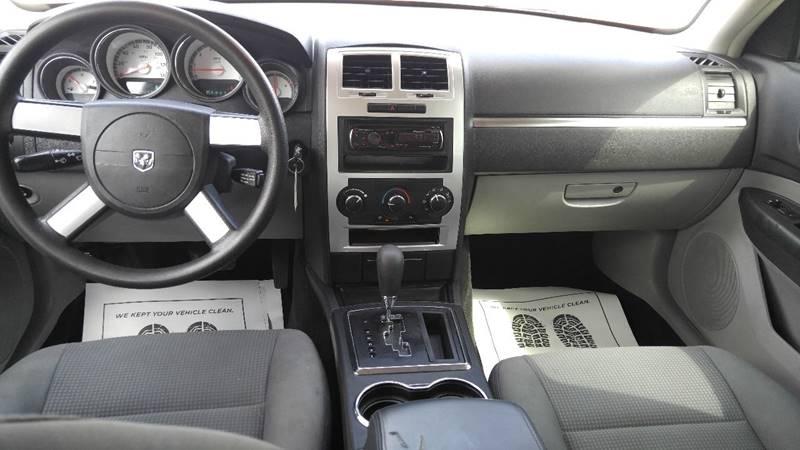 2009 Dodge Charger SE 4dr Sedan - Detroit MI