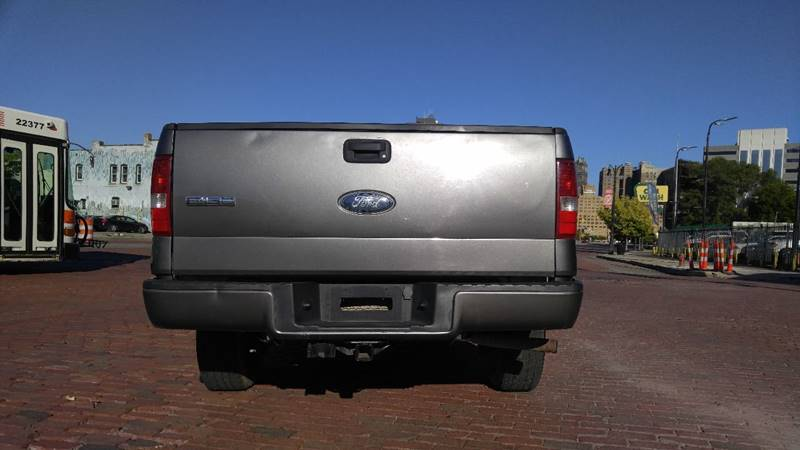 2006 Ford F-150 XL 2dr Regular Cab Styleside 8 ft. LB - Detroit MI