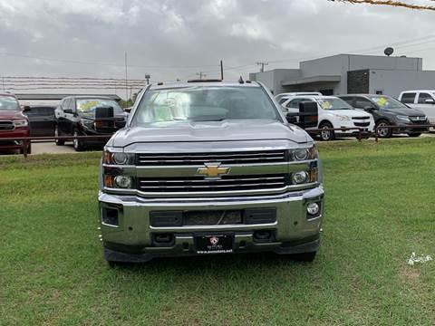 2015 Chevrolet Silverado 3500HD for sale at A & V MOTORS in Hidalgo TX