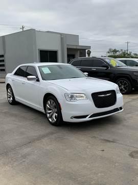 2018 Chrysler 300 for sale at A & V MOTORS in Hidalgo TX