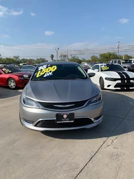 2015 Chrysler 200 for sale at A & V MOTORS in Hidalgo TX