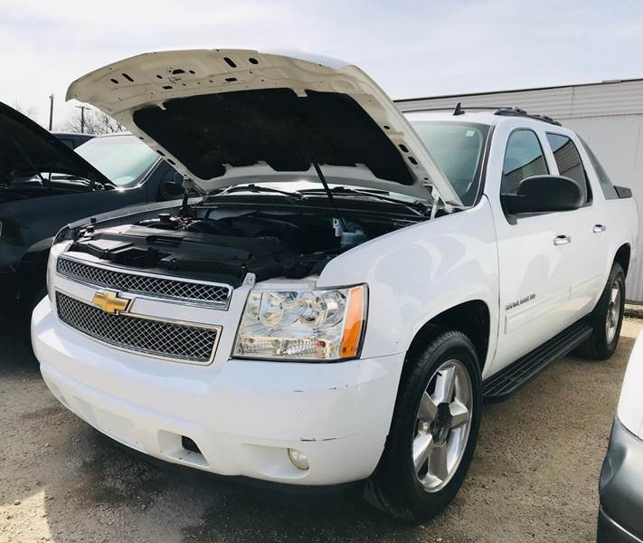 2010 Chevrolet Avalanche 4x2 LS 4dr Pickup In San Antonio