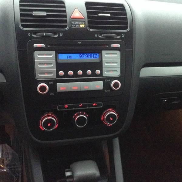 2010 Volkswagen Jetta S 4dr Sedan 6A - Saint Francis WI