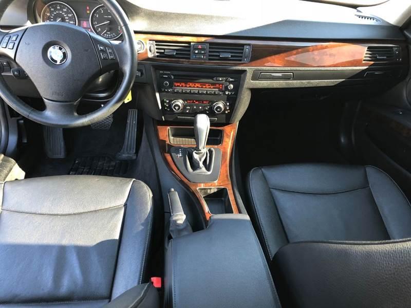 2011 BMW 3 Series 328i xDrive AWD 4dr Sedan - Saint Francis WI