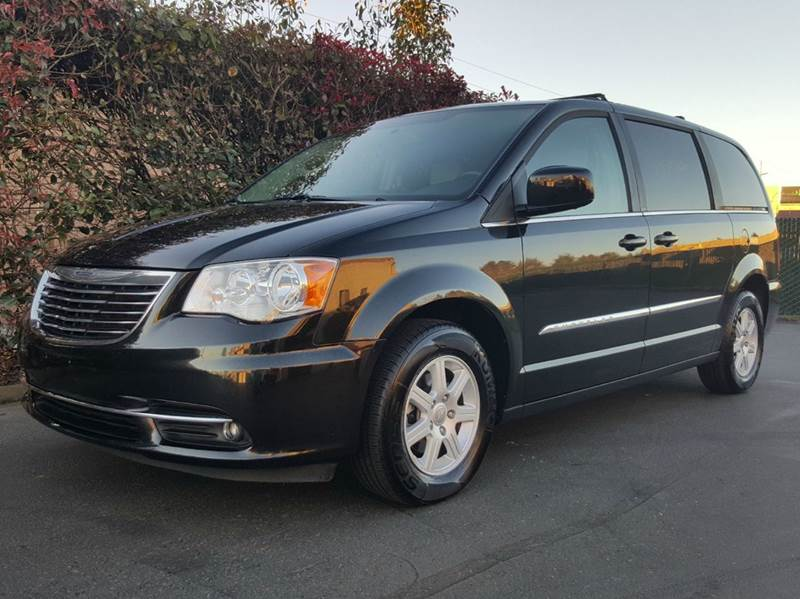 2013 Chrysler Town and Country for sale at Beaverton Auto Wholesale LLC in Hillsboro OR