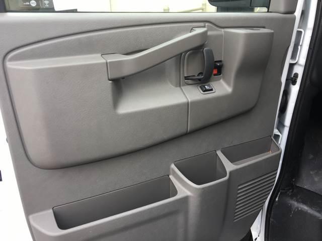 2017 Chevrolet Express Cargo Express G2500 (Like New) - Lilburn GA