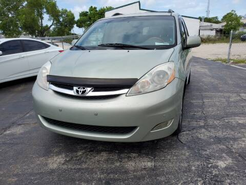 2007 Toyota Sienna for sale at CAR-RIGHT AUTO SALES INC in Naples FL