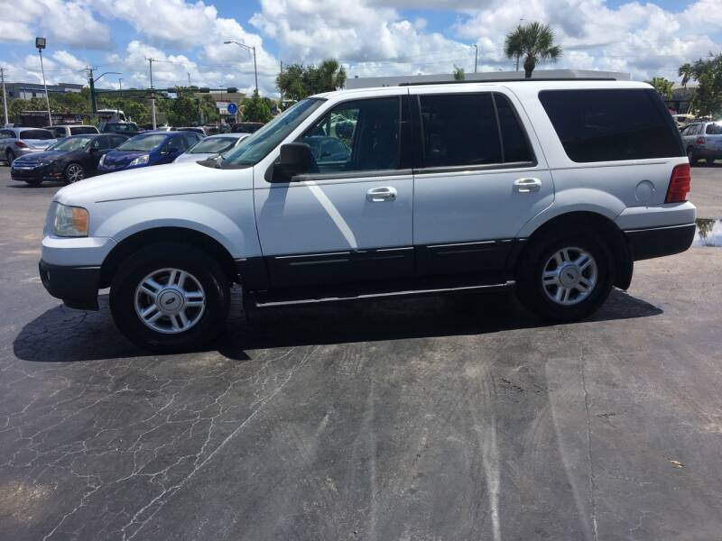 2004 Ford Expedition for sale at CAR-RIGHT AUTO SALES INC in Naples FL