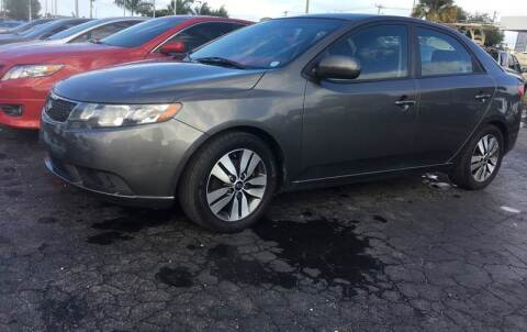 2013 Kia Forte for sale at CAR-RIGHT AUTO SALES INC in Naples FL