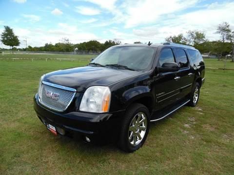 2008 GMC Yukon XL for sale at LA PULGA DE AUTOS in Dallas TX