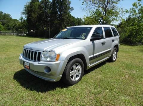 2005 Jeep Grand Cherokee for sale at LA PULGA DE AUTOS in Dallas TX