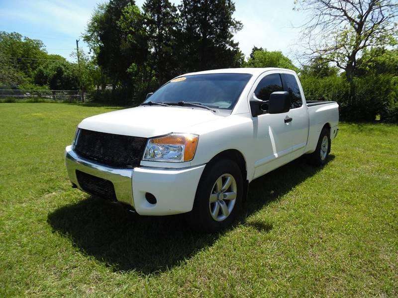 2008 Nissan Titan 4x2 SE FFV King Cab Short Bed 4dr (2008.5)   Dallas