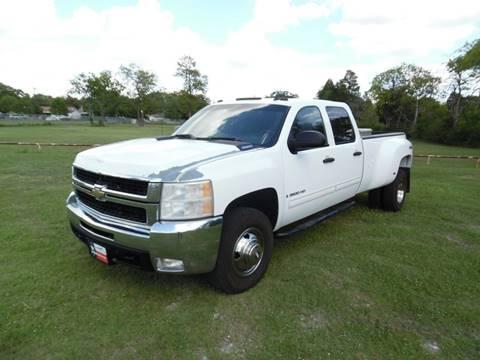 2009 Chevrolet Silverado 3500HD for sale at LA PULGA DE AUTOS in Dallas TX