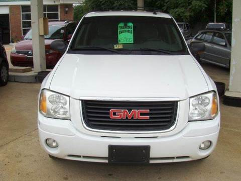 2004 GMC Envoy for sale at RODRIGUEZ MOTORS LLC in Fredericksburg VA