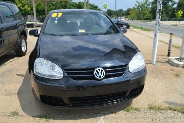 2007 Volkswagen Rabbit for sale at RODRIGUEZ MOTORS LLC in Fredericksburg VA