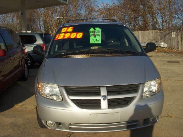 2006 Dodge Grand Caravan for sale at RODRIGUEZ MOTORS LLC in Fredericksburg VA