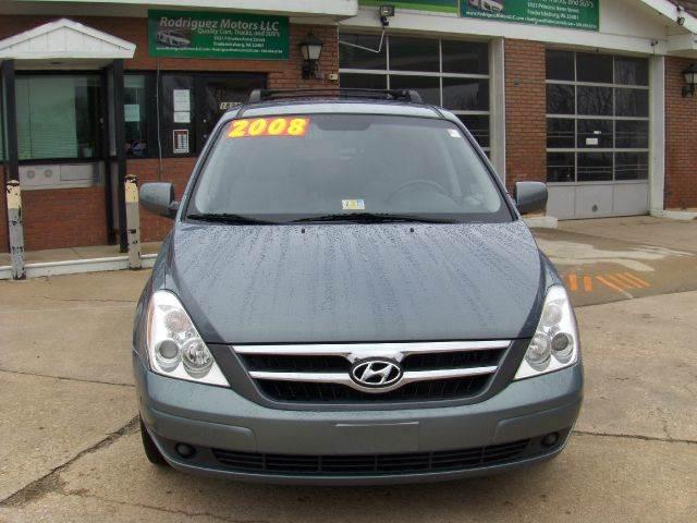 2008 Hyundai Entourage for sale at RODRIGUEZ MOTORS LLC in Fredericksburg VA