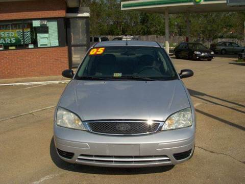 2005 Ford Focus for sale at RODRIGUEZ MOTORS LLC in Fredericksburg VA