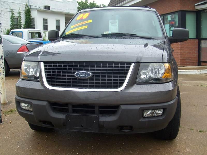 2004 Ford Expedition for sale at RODRIGUEZ MOTORS LLC in Fredericksburg VA