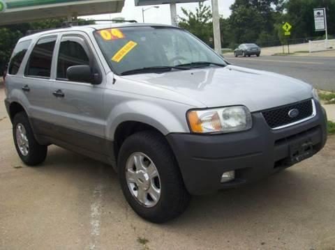 2004 Ford Escape for sale at RODRIGUEZ MOTORS LLC in Fredericksburg VA