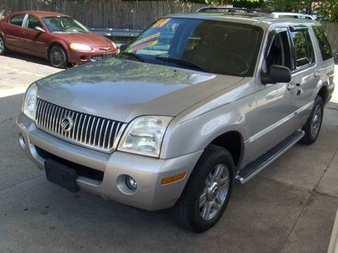 2004 Mercury Mountaineer for sale at RODRIGUEZ MOTORS LLC in Fredericksburg VA
