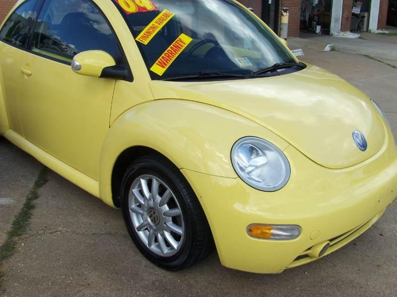 2004 Volkswagen New Beetle for sale at RODRIGUEZ MOTORS LLC in Fredericksburg VA