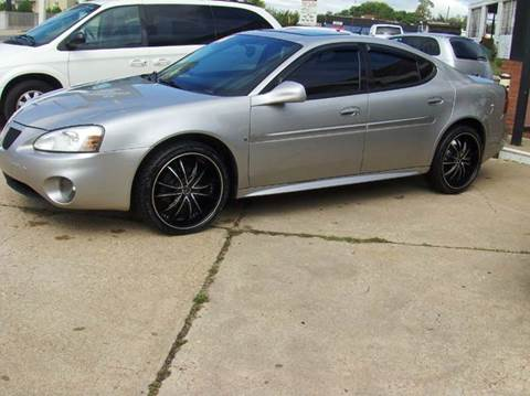 2006 Pontiac Grand Prix for sale at RODRIGUEZ MOTORS LLC in Fredericksburg VA