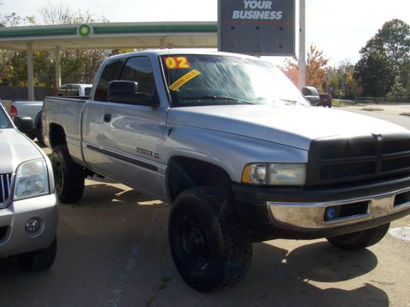 2002 Dodge Ram Pickup 2500 for sale at RODRIGUEZ MOTORS LLC in Fredericksburg VA