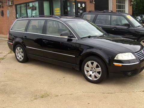 2005 Volkswagen Passat for sale at RODRIGUEZ MOTORS LLC in Fredericksburg VA
