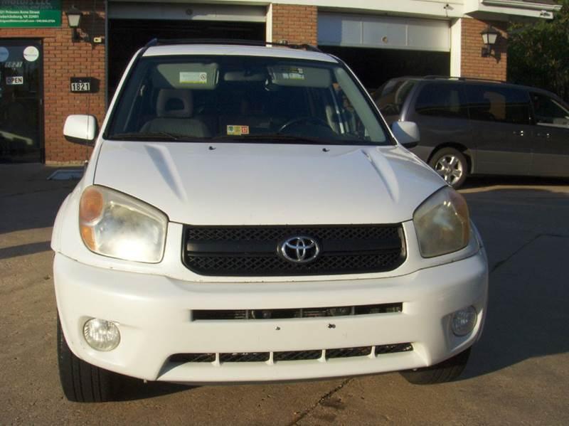 2005 Toyota RAV4 for sale at RODRIGUEZ MOTORS LLC in Fredericksburg VA